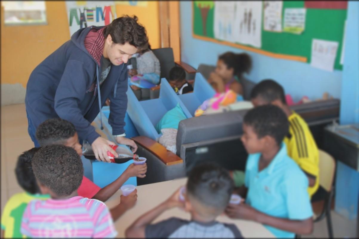 Estudantes da Faculdade Salesiana desenvolvem trabalho social