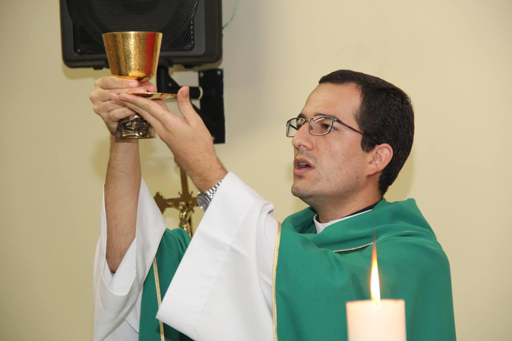 Missa celebra o Dia do Professor na Faculdade Salesiana