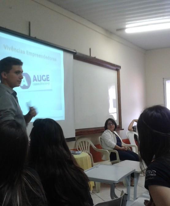 Faculdade Salesiana leva Projeto Jovem Empreendedor para colégios