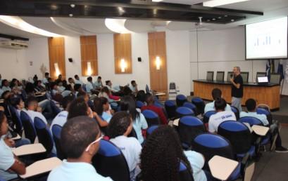 Faculdade Salesiana: Mercado de Trabalho é debatido no Nova Vida