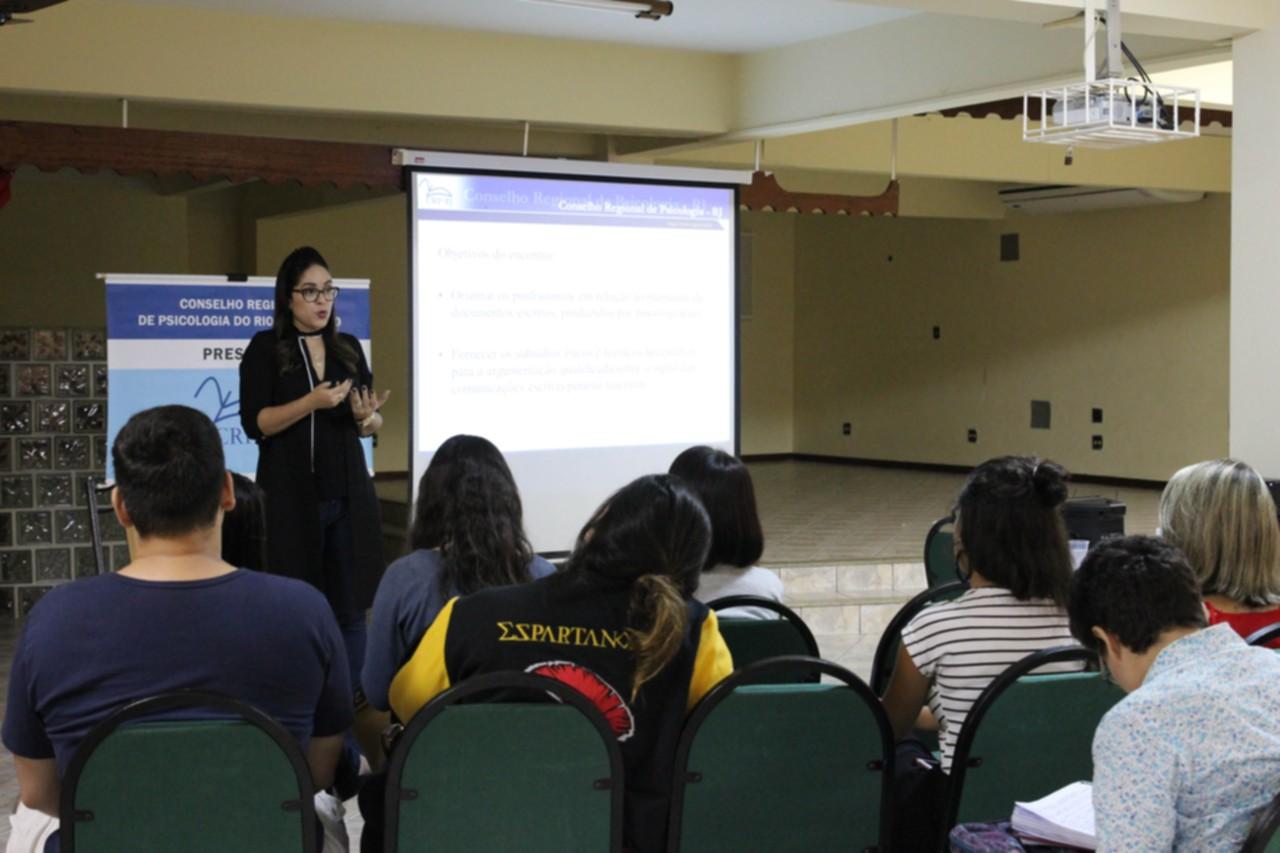 Psicologia: estudantes participam de palestra do CRP-RJ