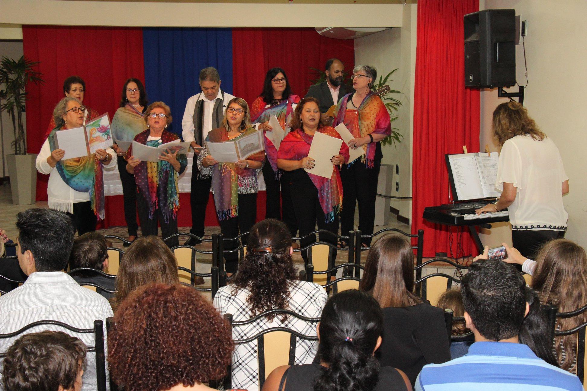 """Salesiana: Entrega de Certificado do Curso """"Universidade da Maturidade"""" é marcada pela alegria"""