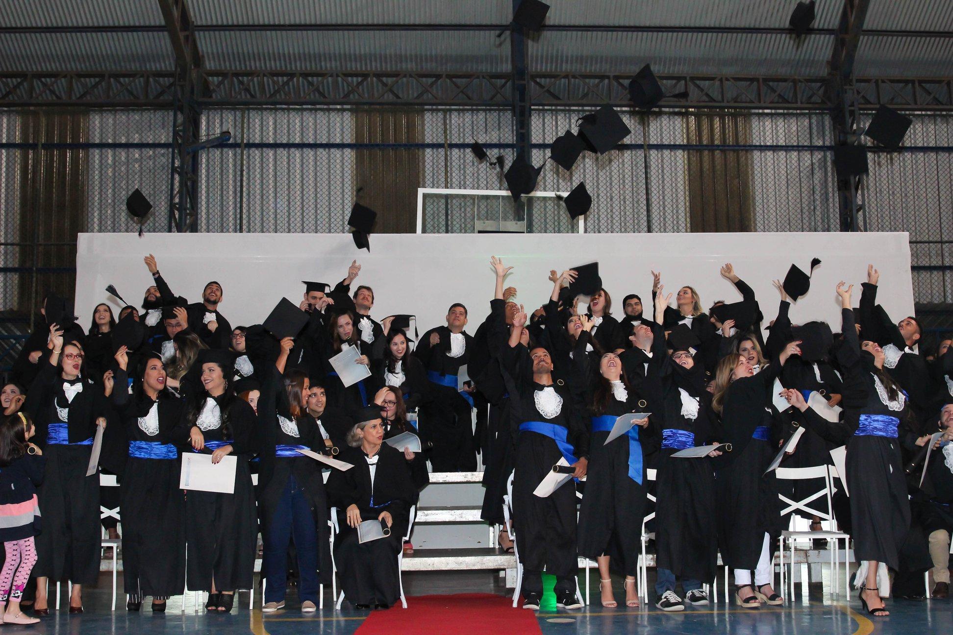 Novos profissionais são formados na Faculdade Salesiana de Macaé