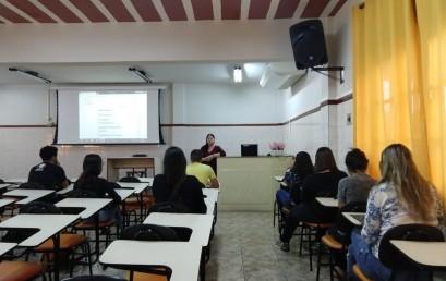 Estudantes recebem orientações sobre a Plataforma EAD