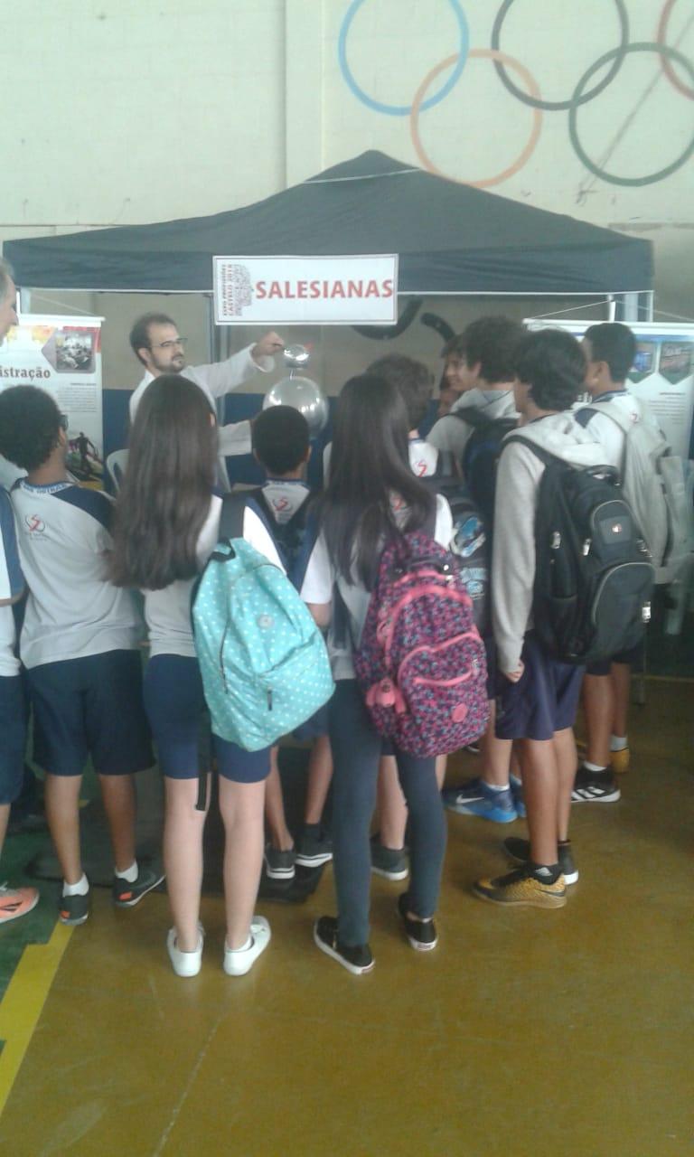 INSG/Castelo e Faculdade Salesiana apresentam projetos em feira de profissões