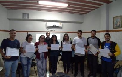 Salesiana entrega certificados do Curso de Inglês Offshore