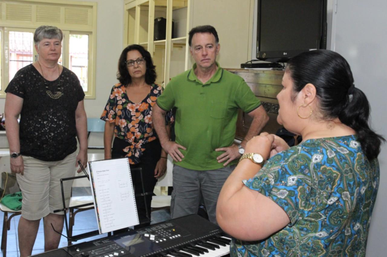 Curso Universidade da Maturidade inicia com aula de música