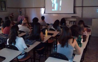 Sessões de filmes visam ampliar debates na área de psicologia