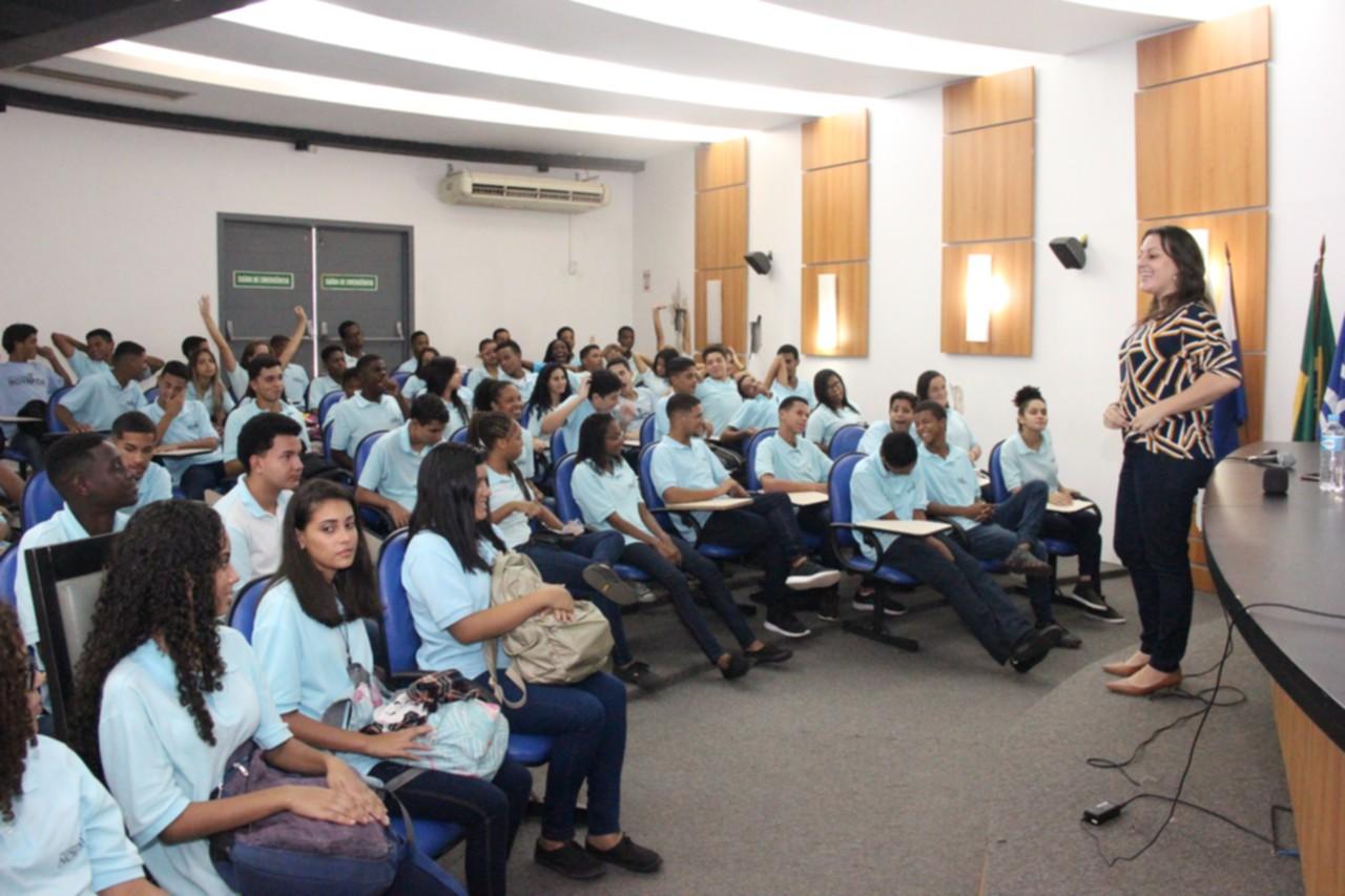 """Faculdade Salesiana e Nova Vida capacitam sobre """"comunicação eficaz"""""""
