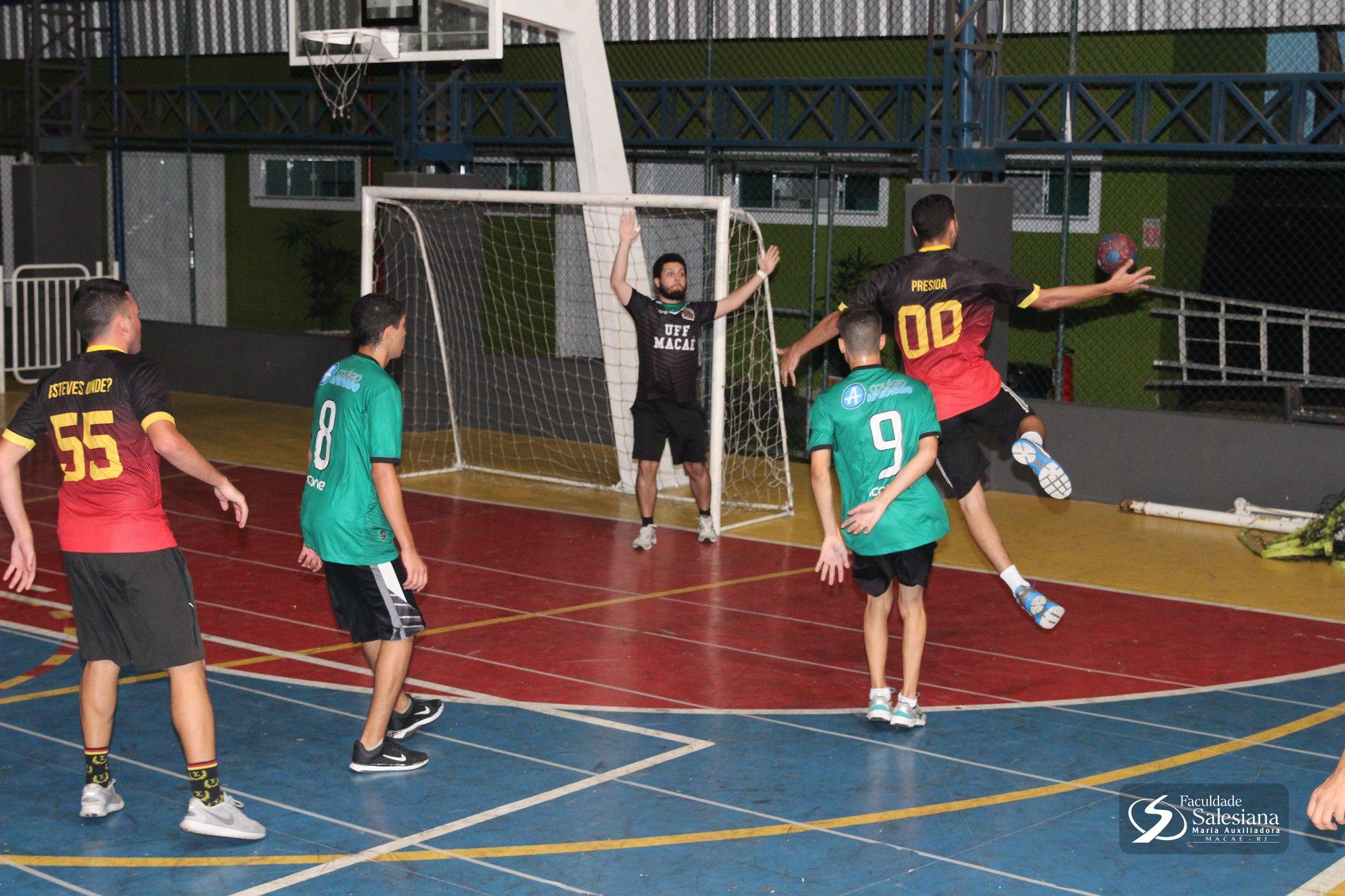Espartanoz vence amistoso contra Doutrinadores da UFF