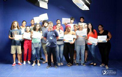 Salesiana entrega certificados da primeira turma de Mídias Digitais