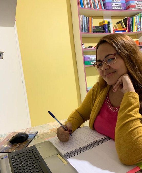Violência contra a mulher: aluna da Católica Salesiana aborda tema em artigo de mestrado